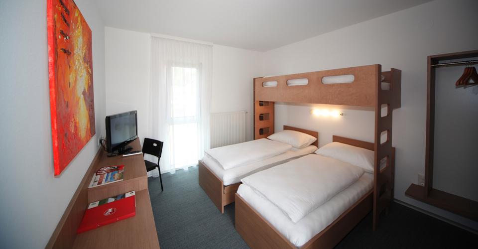 Dreibettzimmer im Bernstein-Motel Marchegg