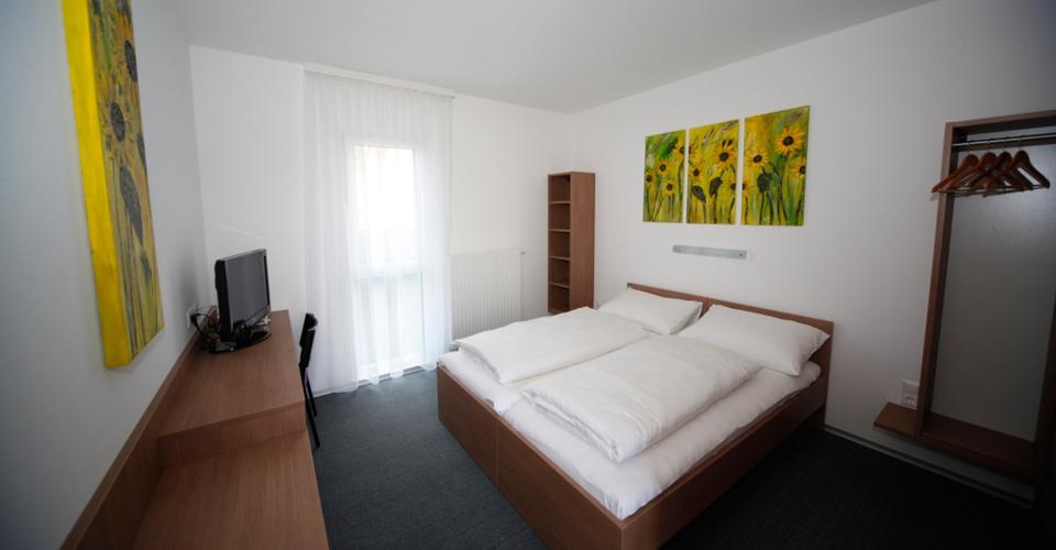 Zwei- und Doppelbettzimmer im Bernstein-Motel Marchegg